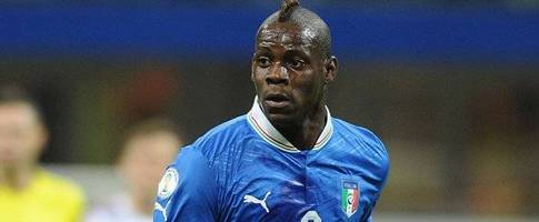 Italy coach Conte leaves door open  to Liverpool striker Balotelli
